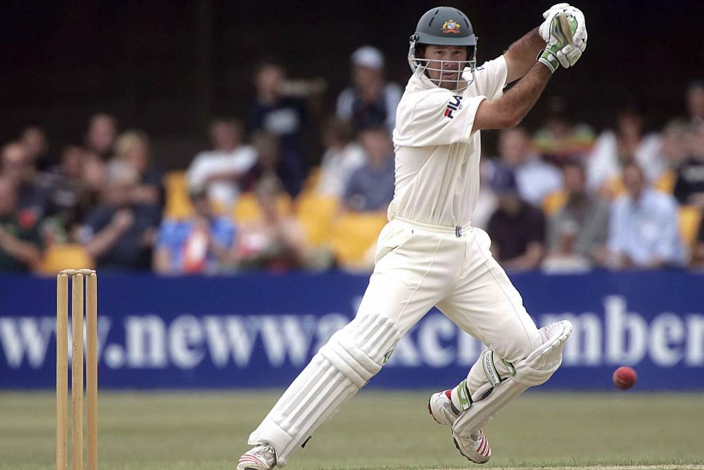 16.7.5_cricket_leics v australia, grace rd_ ricky ponting cuts masters.